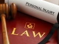 K súbehu nárokov podľa § 13 ods. 2 a § 444 Občianskeho zákonníka